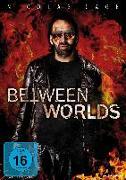 Cover-Bild zu Between Worlds von Pulera, Maria
