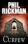 Cover-Bild zu Rickman, Phil: Curfew