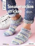 Cover-Bild zu Sneakersocken stricken (kreativ.kompakt) von Bergk, Dagmar