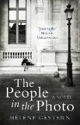 Cover-Bild zu Gestern, Helene: People in the Photo: A Novel